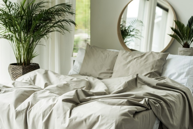 Duvet cover vs comforter. What is the difference?